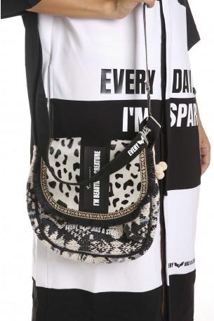 Designed Black Colors Hand Bag BEAUTIFUL